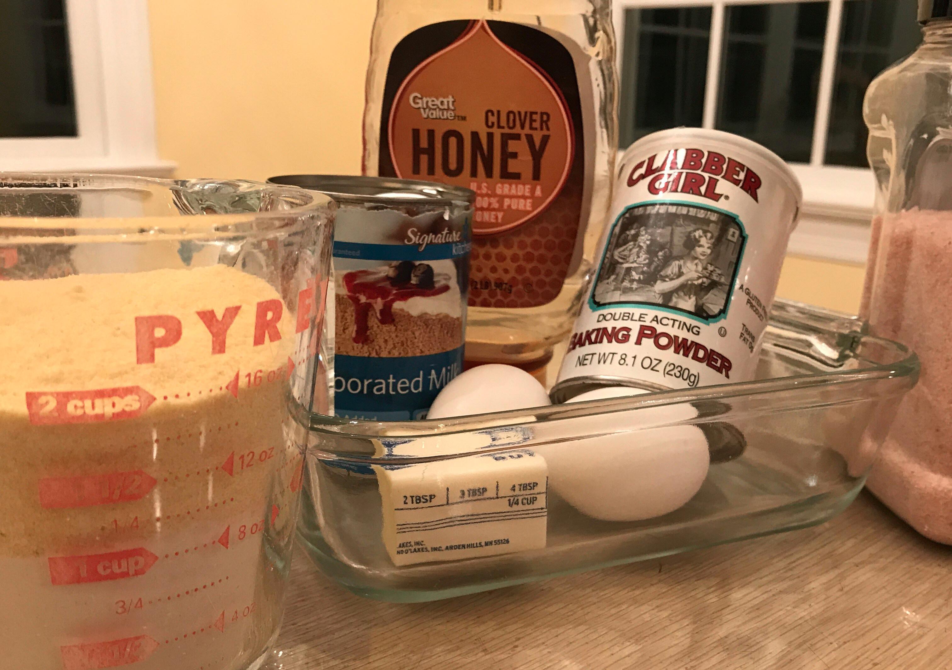 Basic cornbread ingredients
