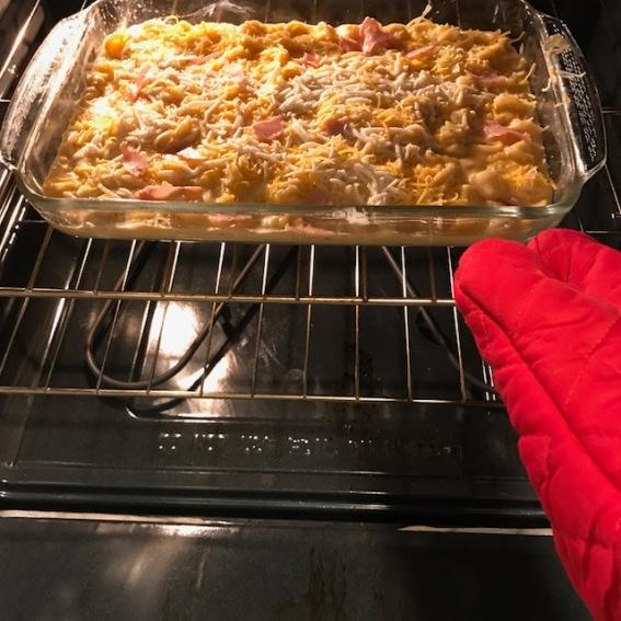 Mac n' cheese in oven bake